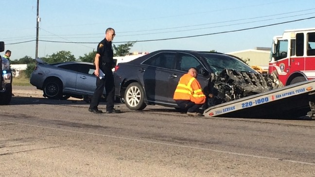 Three drivers hurt in rollover crash on Highway 16   KABB