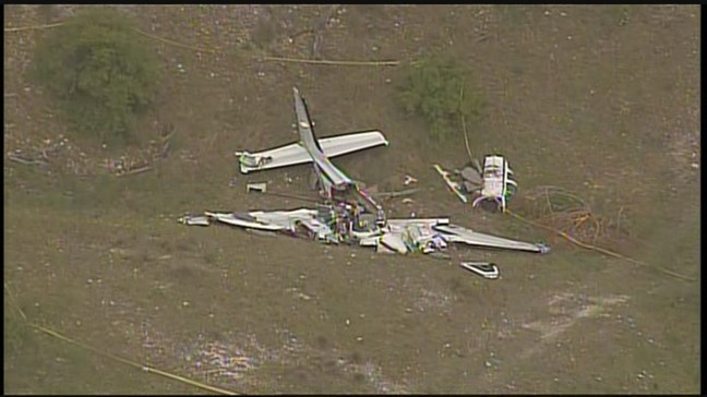 Six people dead after small plane crashes in Kerrville | KABB